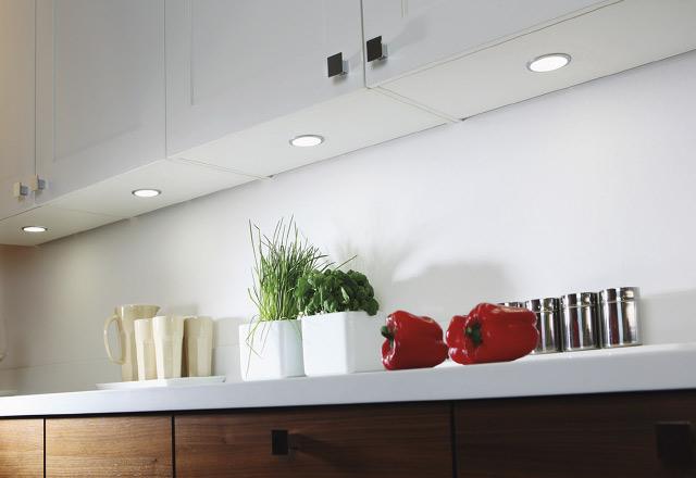 Iluminación led bajo muebles en la cocina